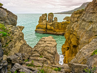 PANCAKE ROCKS, PAPAROA NATIONAL PARK, SOUTH ISLAND, NEW ZEALAND